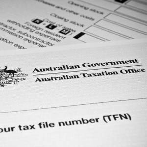 Amid Government efforts to reign in the Budget deficit, an Auditor General's report says it is unclear whether the ATO has met its compliance-related revenue commitments.