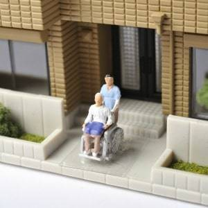 Concerns over the high cost of entry into residential aged care facilities are making housing decisions for elderly Australian complex, an advice firm believes.