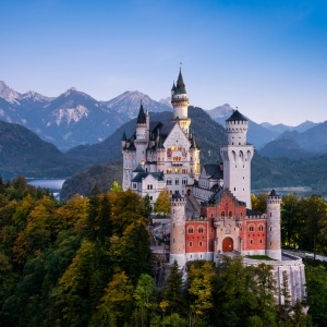 Despite German wealth managers fearing the loss of their market share to robo-advisers, a collaborative solution is still practicable, Verdict Financial said.