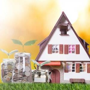 Lower interest rates have helped to reduce mortgage stress, according to the survey conducted by Roy Morgan Research.